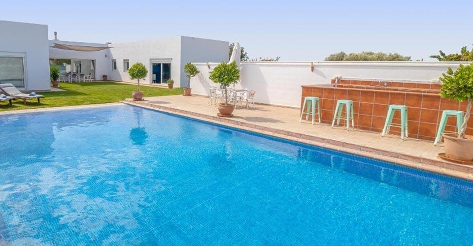 Alquiler de apartamentos con piscina en Andalucía