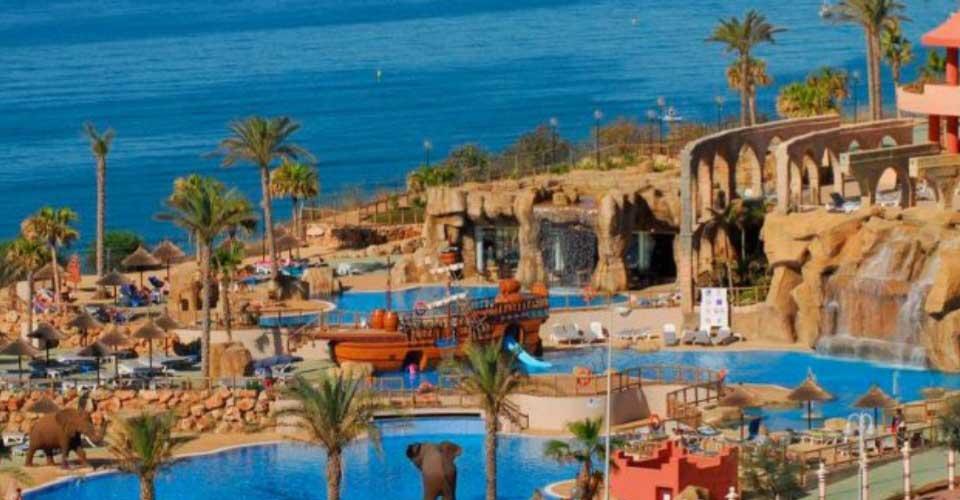 Hotel con atracciones acuáticas en la costa de Andaucía